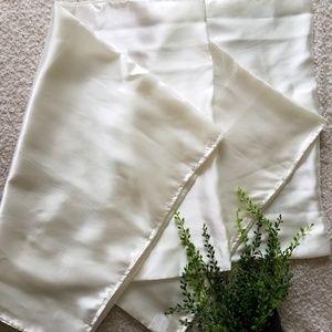 🌼3/$10! Faux silk pillow cases